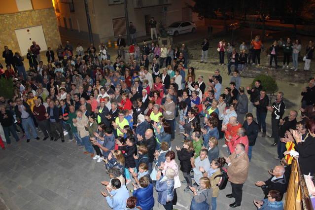 Més de 300 persones donen suport a l'alcalde de Linyola citat a declarar per col·laborar amb l'1-O