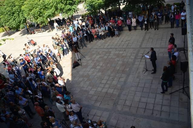 Mollerussa es concentra per condemnar la vulneració de drets i llibertats viscuda l'1O durant el referèndum