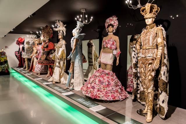 Mollerussa ven 169 forfets en 6 mesos per visitar el Museu de Vestits de Paper i l'Espai dels Canals d'Urgell