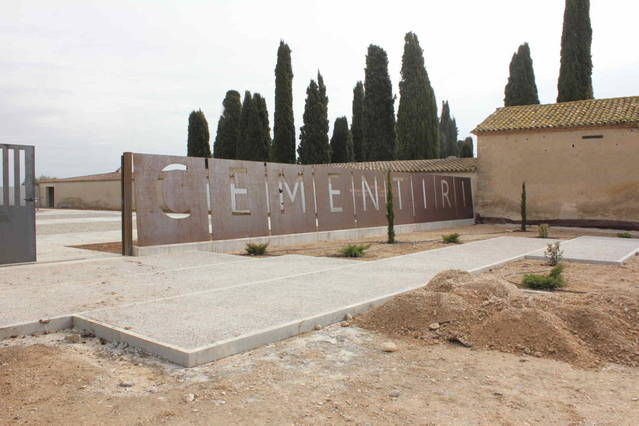 Tret de sortida a la segona fase d'ampliació del cementiri del Palau
