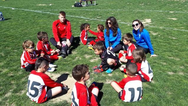 Uns 200 infants participen a la Trobada de futbol Baby de Fondarella