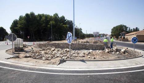 Acabada la nova rotonda de l'N-II a Bellpuig, que obre al trànsit al setembre