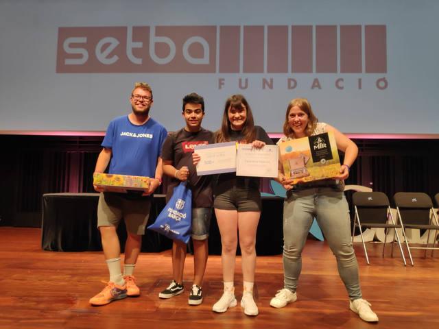 Dos alumnes de l'Ecola Alba guanyen els 1rs premis del certamen de pintura El Balcó de les Arts 2019