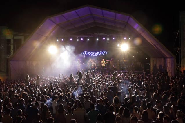 El 21è Festival Paupaterres de Tàrrega sedueix milers d'espectadors a ritme de Buhos, La Terrasseta de Preixens, Sense Sal o Pupil·les