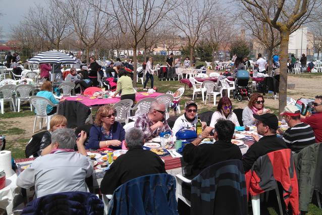 El Càmping Municipal de Tàrrega obre portes el dilluns 22 d'abril per celebrar el Dia de la Mona