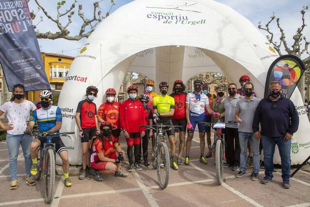 El ciclista Jaume Rovira recapta més de 500 € per al Grup Alba