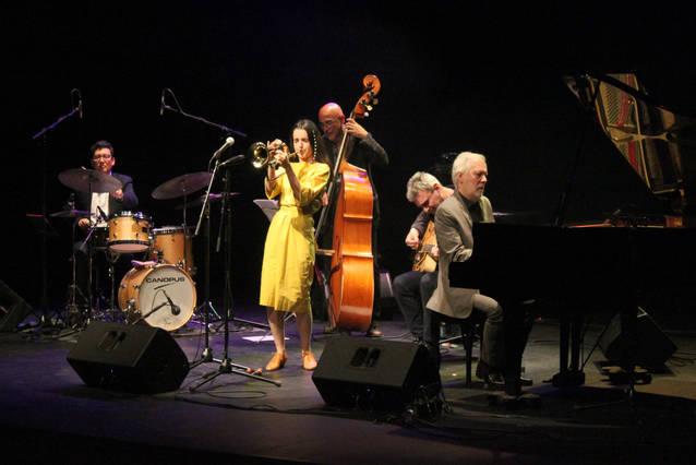 El jazz d'Andrea Motis omple el Teatre Ateneu de Tàrrega