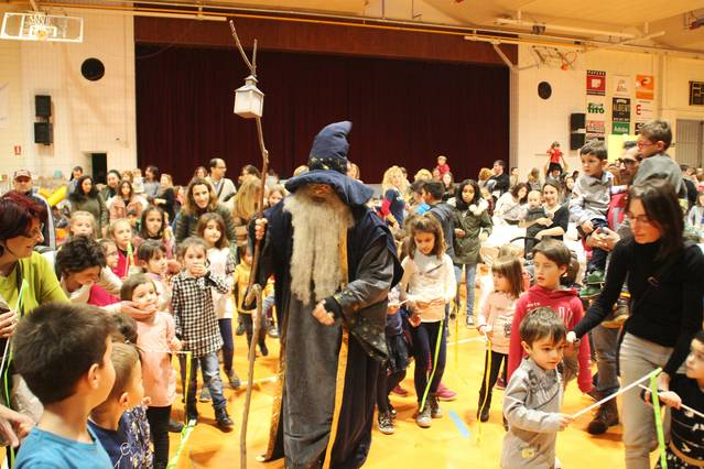 El Mag Galderic visita als nens i nenes de Bellpuig i recull les seves cartes