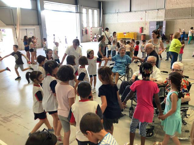 """Finalitza la primera edició del projecte intergeneracional """"Escurcem distàncies"""""""