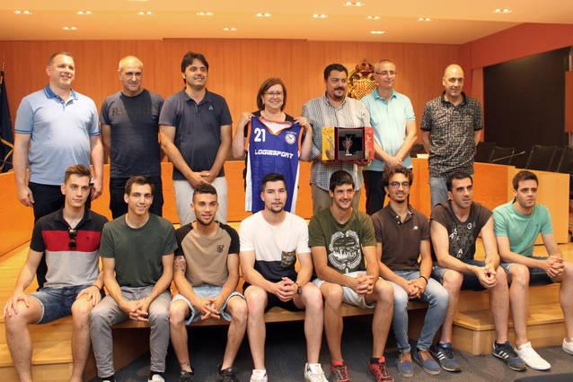Homenatge l'equip Sènior Masculí A del Club Natació Tàrrega pel seu ascens a 1a Catalana de Bàsquet