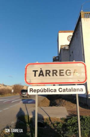 """Instal·len senyals de """"República Catalana"""" a Tàrrega"""