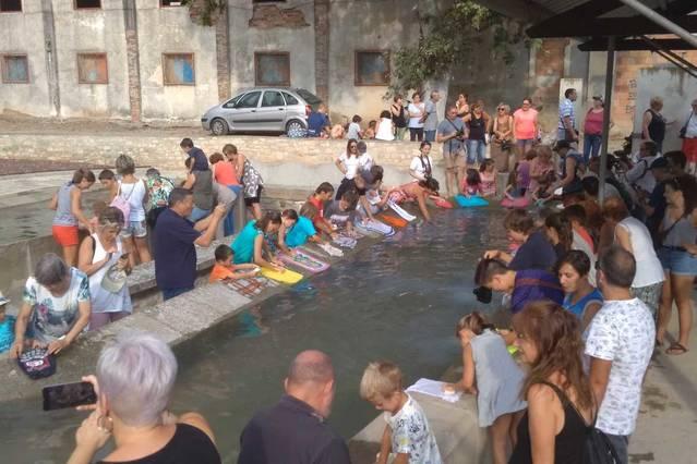 L'aigua torna per un dia als safareigs d'Agramunt