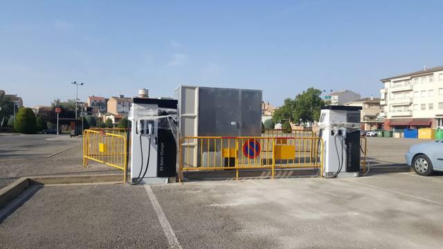 L'ajuntament d'Agramunt instal·la 2 punts de càrrega de vehicles