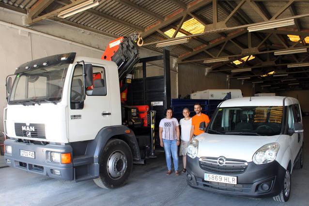 L'Ajuntament de Tàrrega adquireix un camió grua i una furgoneta per al parc mòbil de la brigada de Serveis Municipals
