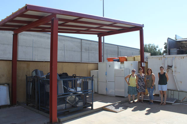 Nova coberta a la deixalleria municipal de Tàrrega per millorar el tractament dels residus d'electrodomèstics