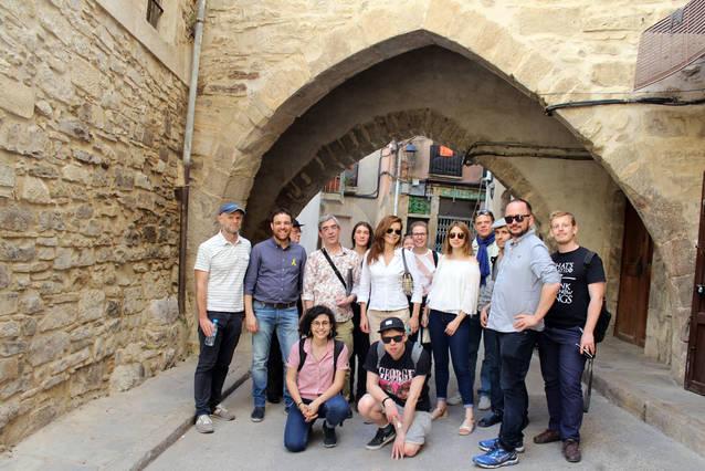 """Periodistes internacionals visiten Tàrrega per divulgar indrets que inspiraren el """"Mecanoscrit del Segon Origen"""" de Pedrolo"""