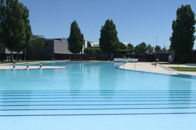 Tàrrega treu a concurs l'explotació del bar de les piscines municipals d'estiu