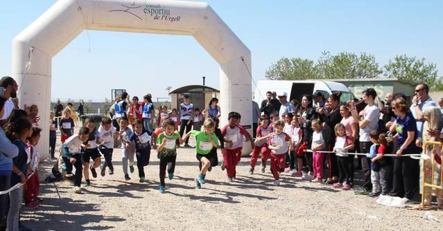 Uns 250 atletes participen al Cros Escolar Vila de Bellpuig