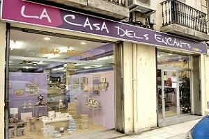 LA CASA DELS ENCANTS