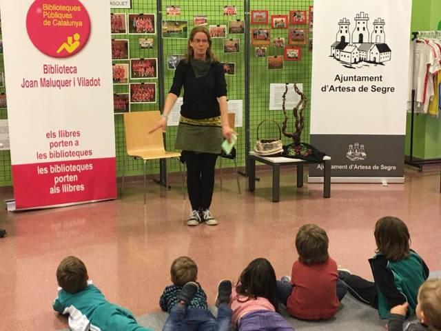 Activitats infantils a la biblioteca d'Artesa de Segre