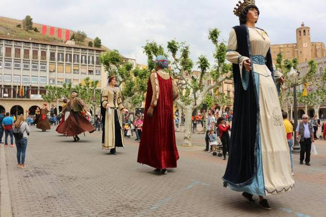 Balaguer celebra la IX Biennal de Gegants i Capgrossos