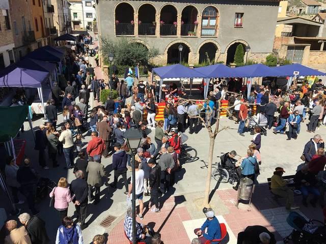 Centenars de persones visiten la IV FiraGerb