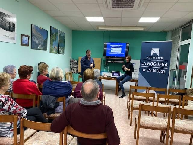 Comencen els tallers de salut bucodental per a la gent gran de la Noguera