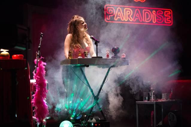"De l'institut de ""Merlí"" al prostíbul de ""Paradise"", aquest diumenge al Teatre de Balaguer"