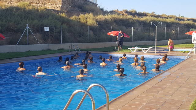 """El carnet Interpiscines de la Noguera estrena un """"passaport"""" per fomentar la mobilitat dels usuaris entre les piscines municipals"""