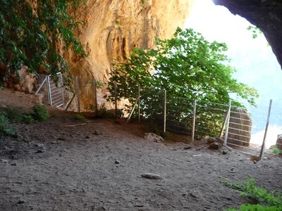El conjunt de pintures rupestres de la Cova del Tabac de Camarasa es restaura i s'adequa per a la visita