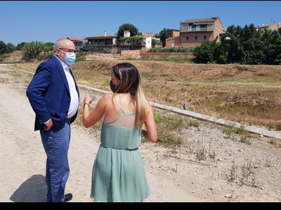 El conseller d'Educació visita els terrenys on es faran les noves construccions de les escoles Arnau Berenguer al Palau d'Anglesola i L'Àlber a Albesa