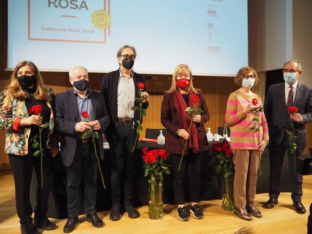El llibre i la rosa tornen al carrer per Sant Jordi