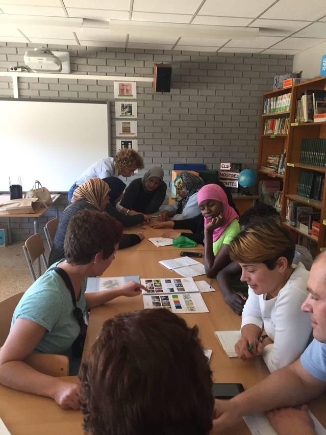 El SAID de la Noguera promou cursos d'alfabetització per a persones immigrants