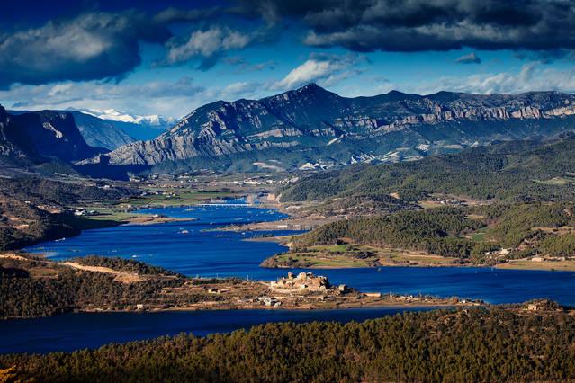 Els municipis del Prepirineu lleidatà situats a l'entorn del pantà de Rialb atreuen un nou turisme rural sorgit durant el confinament