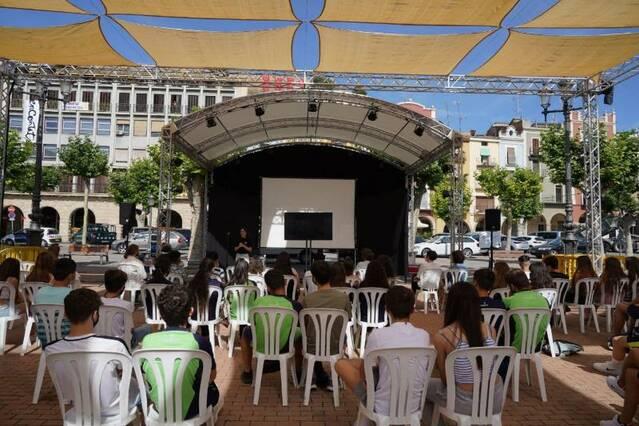 """Lara Costafreda, Oriol Malet i John Carlin """"dibuixen el canvi"""" a la 1a Jornada d'Il•lustració i Disseny Gràfic Ciutat de Balaguer"""