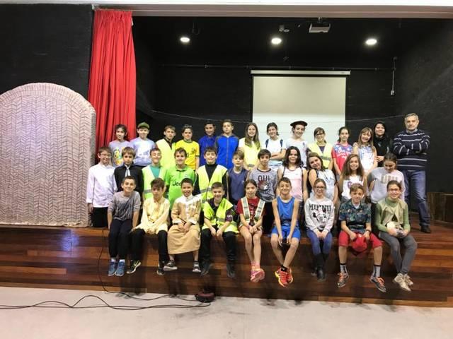 L'Escola Els Planells d'Artesa de Segre fa difusió del Túmul de Seró amb una representació teatral