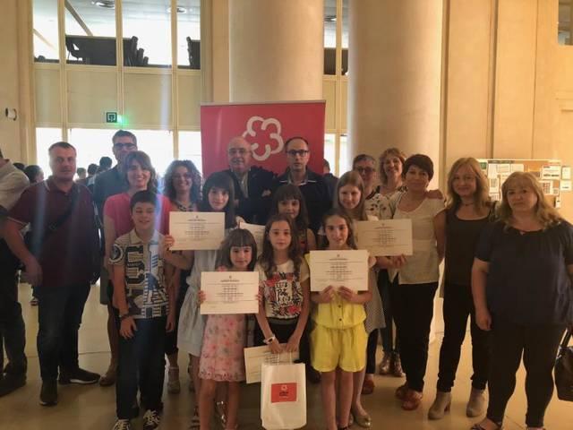 Maria Guàrdia de l'Escola Els Planells d'Artesa de Segre guanya el premi de la seva categoria en la fase final dels V Jocs Florals Escolars de Catalunya