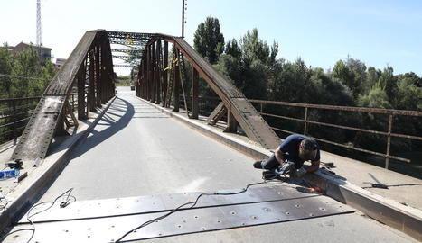 Menàrguens repara el ferm de l'històric pont de Ferro