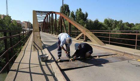 Menàrguens repara el pont de la Sucrera