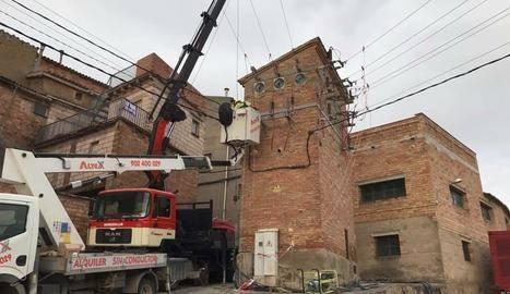 Millores al cablatge elèctric de Montgai