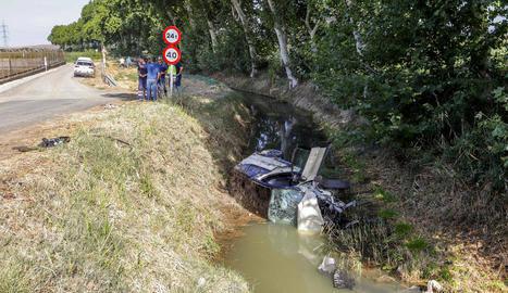 Mor el conductor que va caure al canal en un accident a Vallfogona de Balaguer