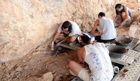 Noves troballes a les excavacions a la Roca dels Bous