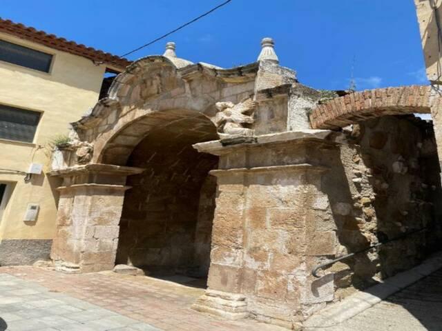 Restauració del calabós ubicat dins l'antic Palau dels ducs d'Alba a Castelló de Farfanya