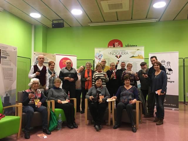 Reunió del Club de lectura de la biblioteca amb DO