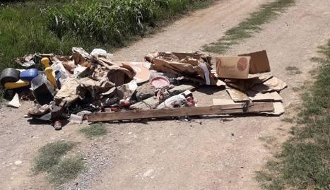 Térmens tanca un camí per un abocament de residus