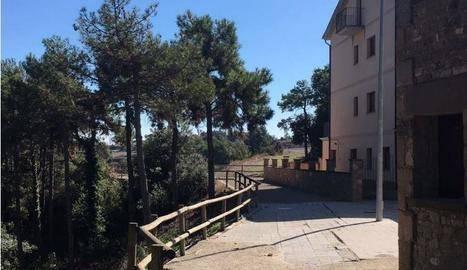 Tiurana millora la plaça de l'Alzinera i un mur de contenció