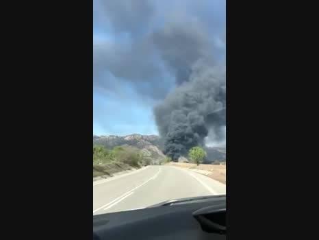 Un incendi a Camarasa calcina una nau que emmagatzemava matalassos