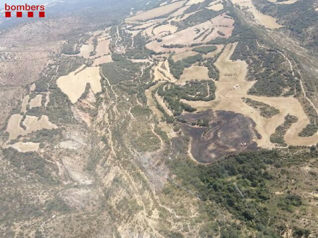 Un incendi calcina aproximadament 5'8 hectàrees a Àger