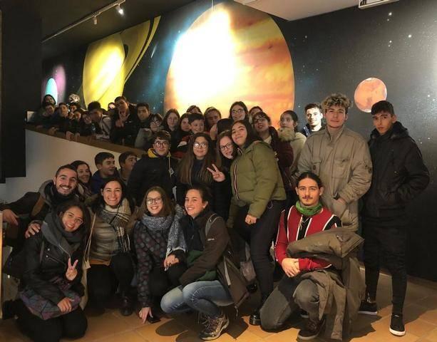 Una cinquantena de joves visiten el Parc Astronòmic del Montsec amb LleidaJove