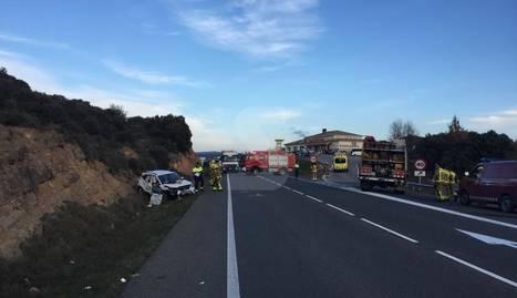 Una dona morta i quatre ferits greus en un accident a Vilanova de l'Aguda